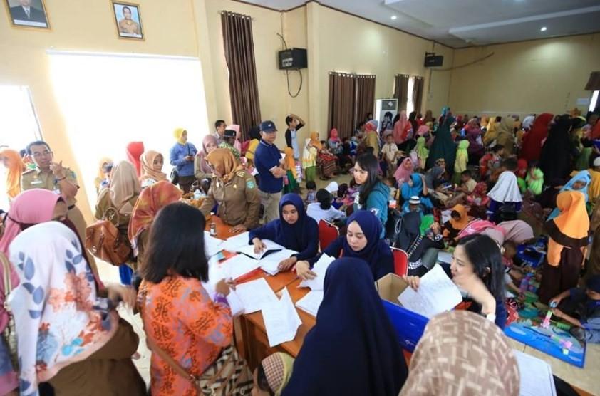 Pemeriksaan Gigi TK PAUD Luwu Timur oleh Tim Dokter Gigi dari FKG Unhas